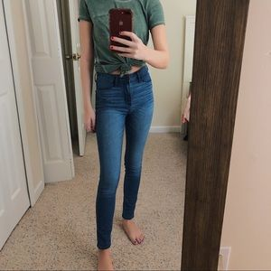 Hollister High Rise Medium Wash Skinny Jeggings